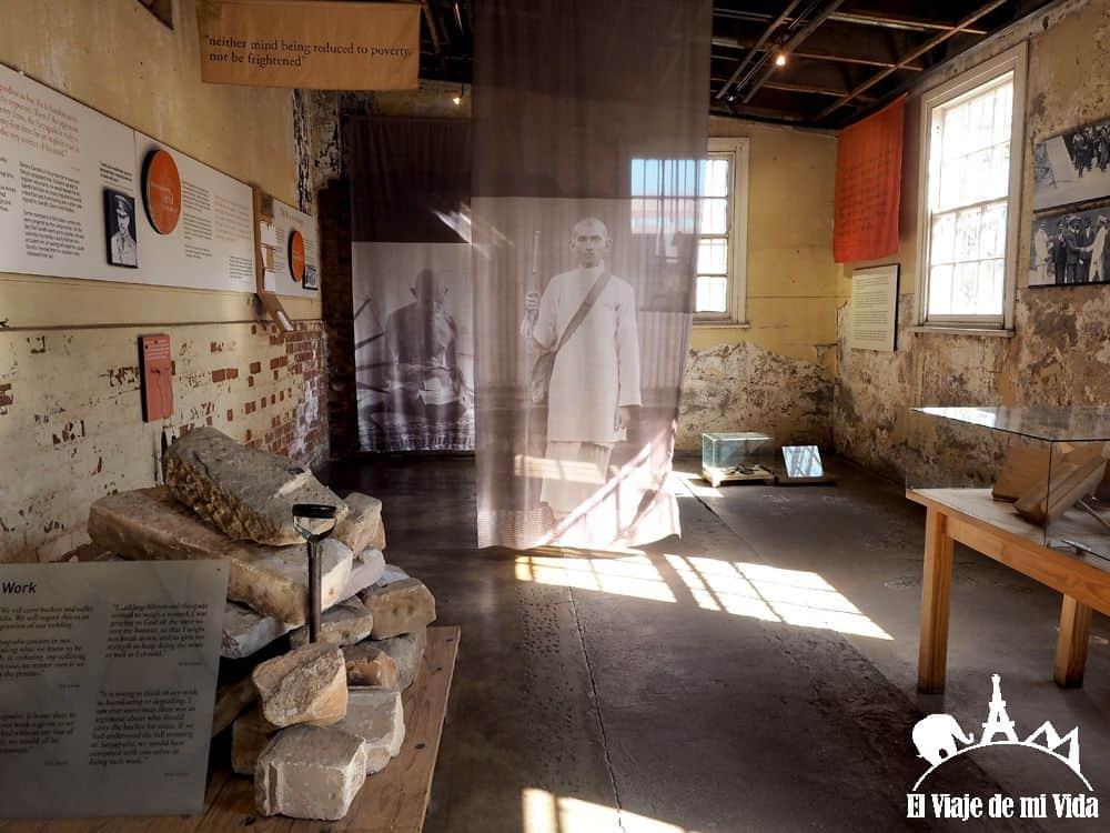 Exposición dedicada a Gandhi