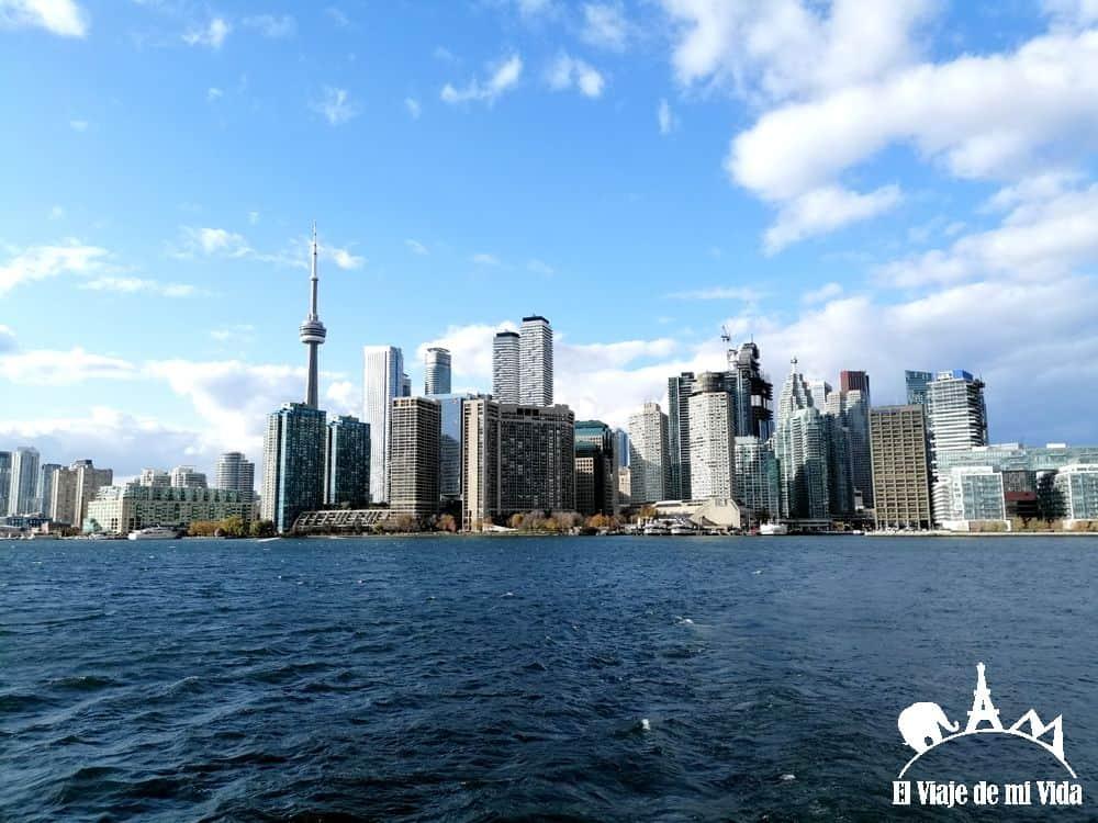 Ferry por el río Ontario