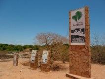 Placas indicativas do Geopark guiam visitante