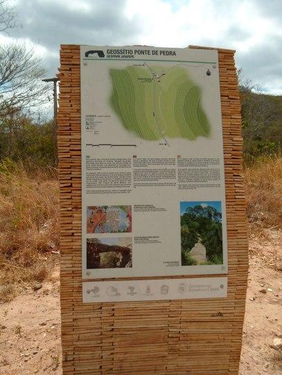 Totem informativo do Geopark Araripe