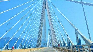 Ponte que atravessamos na cidade de Pátras