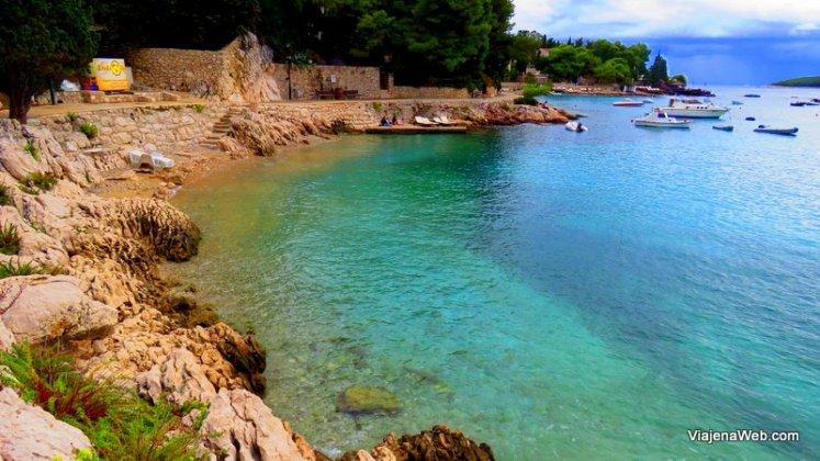 Na Croácia as águas são assim, clarinhas