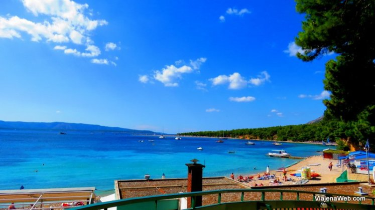 Praia na Ilha de Brac na Croacia