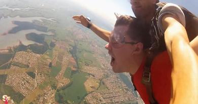 Tem coragem de encarar o salto de paraquedas em Foz do Iguaçu, sobre Itaipu? Eu sobrevivi para contar