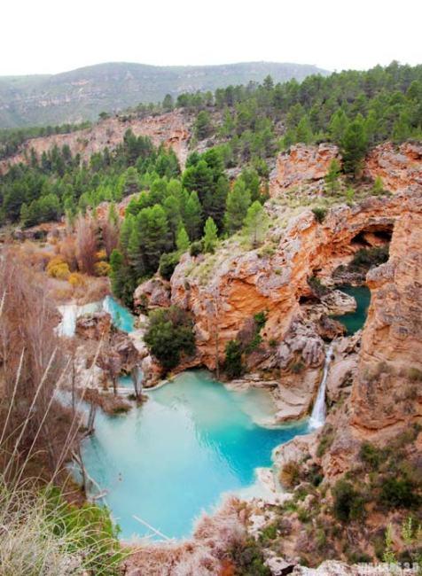 Cascada en las Chorreras de Enguídanos.