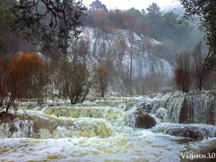 Nacimiento del r o cuervo en la serran a de cuenca - Casas rurales nacimiento rio cuervo ...