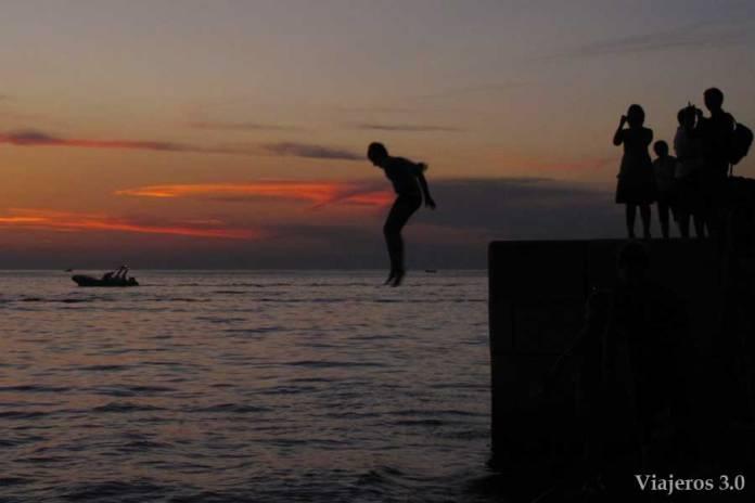 Atardecer en Zadar y saltos acrobáticos desde el órgano marino