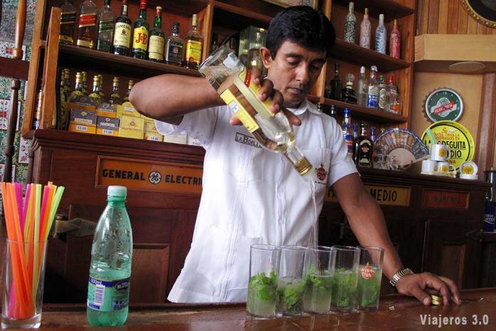 Mojitos y vida nocturna en La Bahana, ruta por Cuba en 10 días