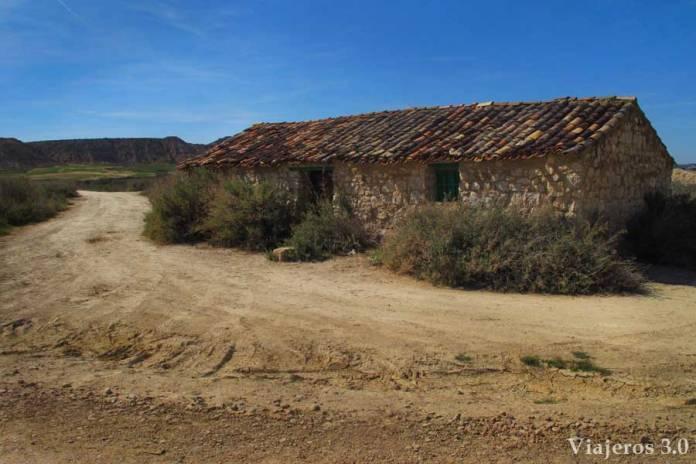 cabaña tradicional en el desierto de las Bardenas Reales
