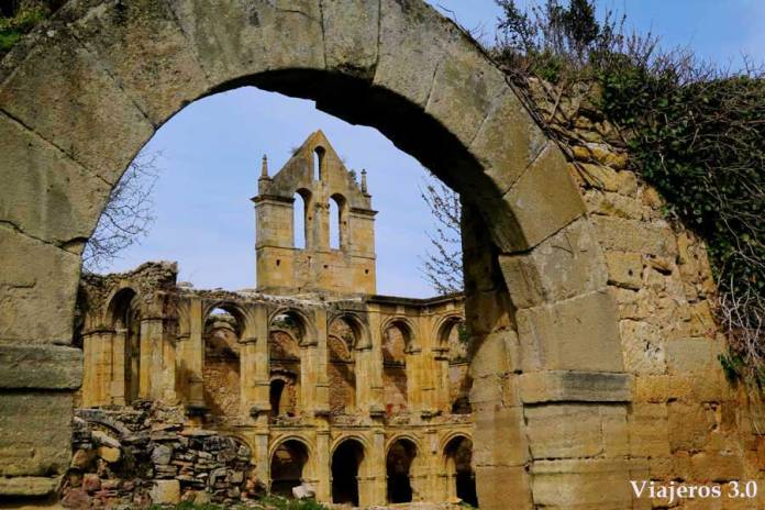 Claustro del Monasterio de Santa María de Rioseco