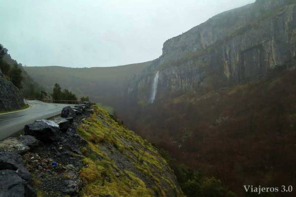 cascada-nacimiento-del-rio-ason (4)