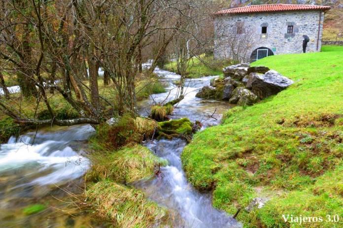 nacimiento del río Gándara, escapada en Cantabria romántica