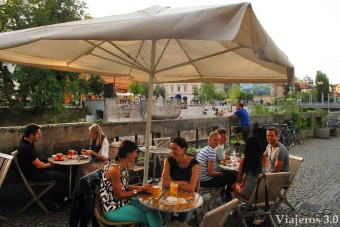 terrazas y ambiente joven en Liubliana