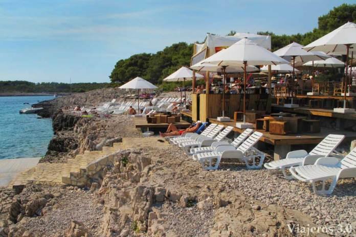 discoteca Carpe Diem en la isla Stipanska, ruta por Croacia