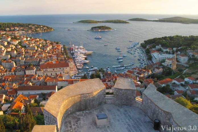 vistas de la ciudad de Hvar