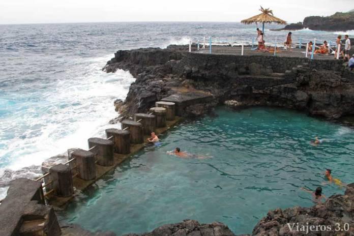 Piscinas natural el Charco Azul en La Palma