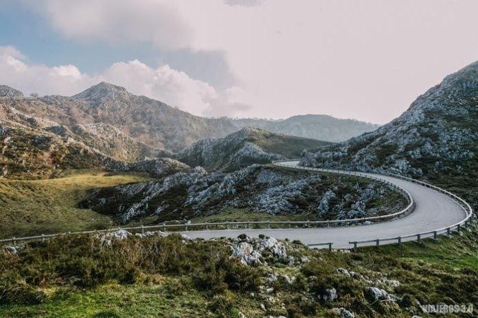 Carretera de acceso a lagos de Covadonga