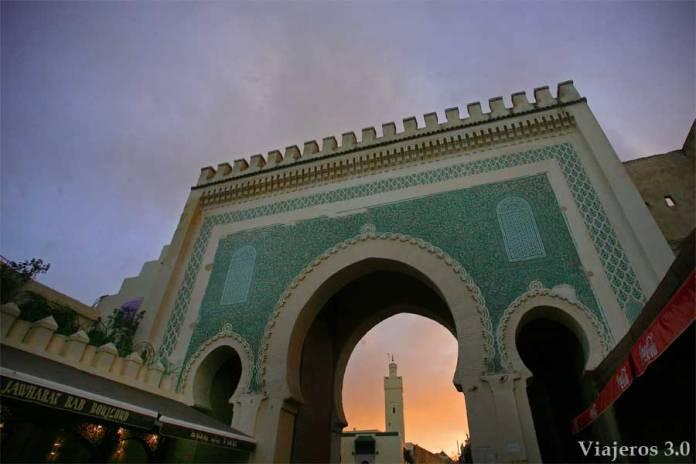 Qué visitar en Fez: puerta Bab Bou Jeloud