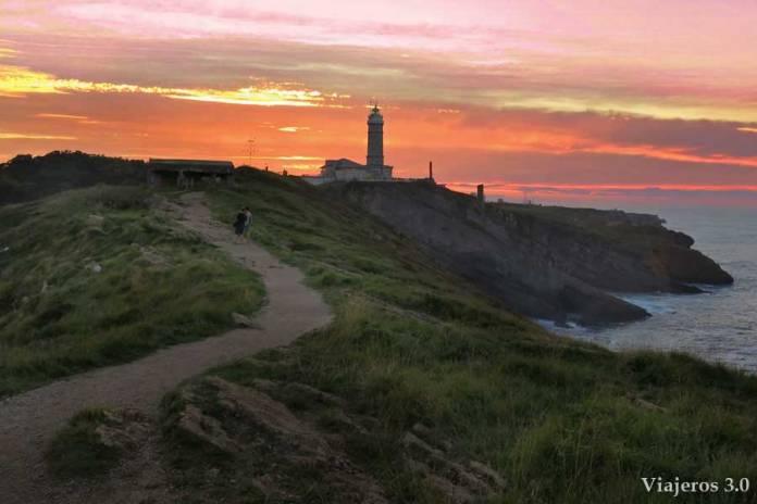 atardecer en el faro de Cabo Mayor, un paseo por Santander