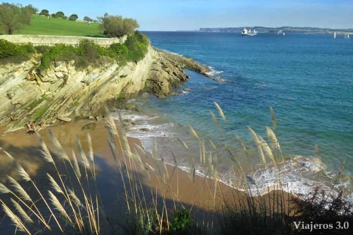 playa de los Molinucos, un paseo por Santander
