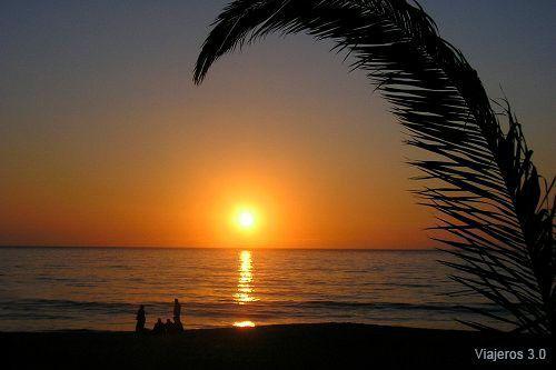 atardecer en Costa de Caparica, qué ver cerca de Lisboa