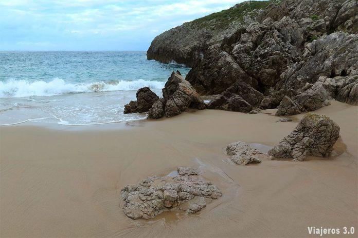 Playa de San Antonio, las mejores playas y pueblos de Asturias