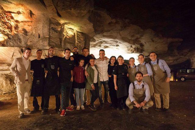 equipo de Miguel Cobo en mesas nómadas de San Miguel Selecta