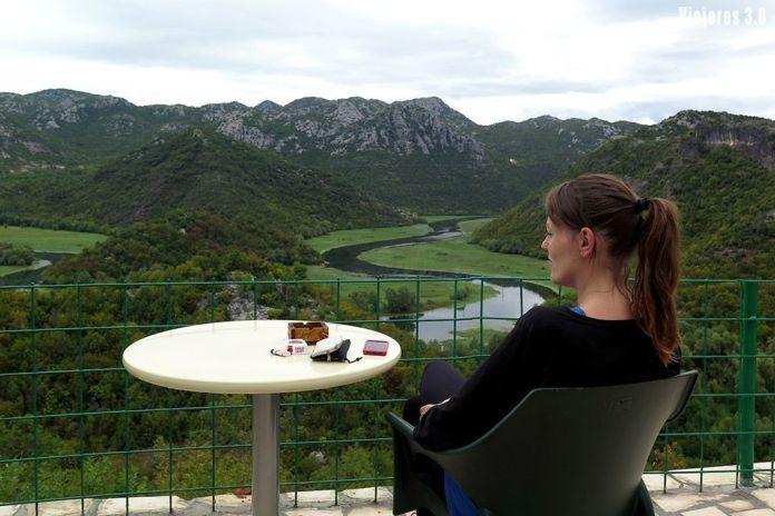 alojamiento en el lago Skadar, guía de Montenegro en una semana