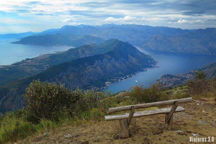 Vistas de la Bahía de Kotor en Montenegro