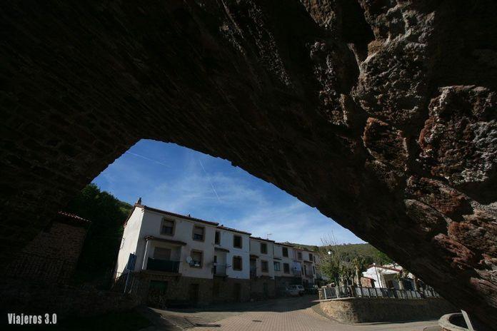 Puente de Suso en Mansilla, ruta por las 7 Villas