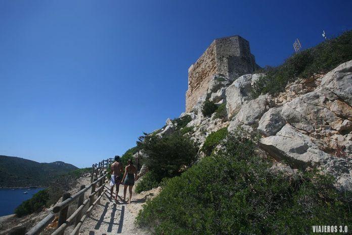 Castillo de Cabrera, excursión en barco