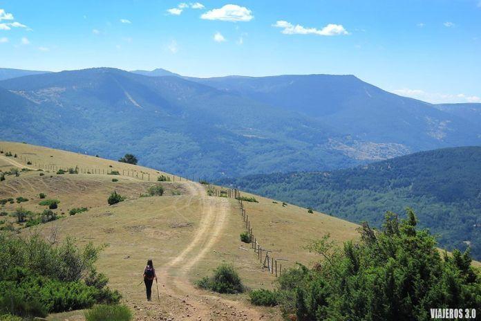 senderismo en la Sierra de Cebollera y las cascadas de Puente Ra