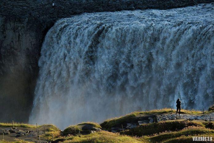 Cascada Dettifoss, ruta por Islandia en 2 semanas