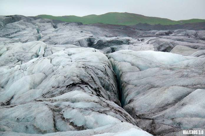 Trekking sobre glaciar en Islandia en Skaftafell