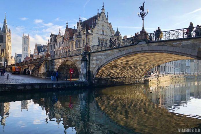 Puente de San Miguel de Gante. Ruta por Bélgica: Brujas, Gante y Bruselas en 4 días.