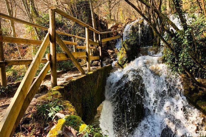 cascadas en la ruta al Nacedero del Urederra