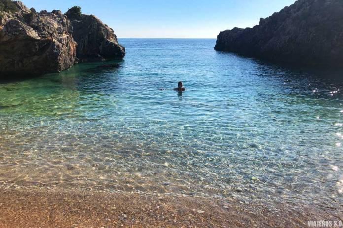 Aquarium Beach, las mejores playas de Albania
