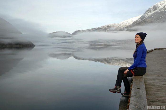 Disfrutando del fiordo de Hardanger en Noruega