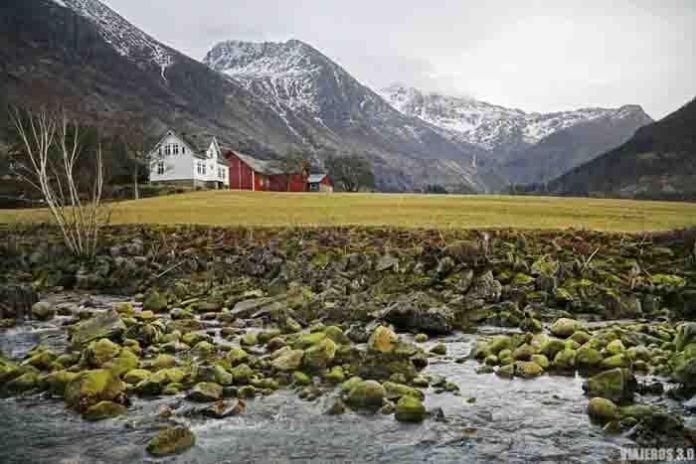 Rosendal, que ver en el fiordo de Hardanger, Noruega.