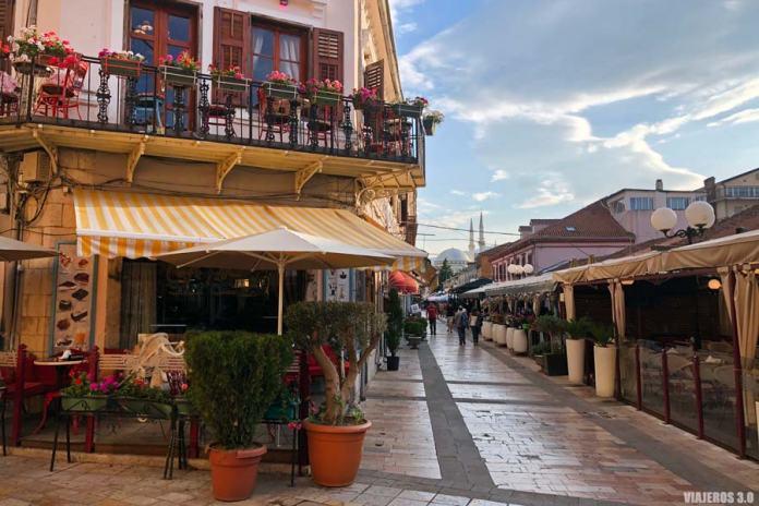 Centro histórico de Shkoder en Albania.