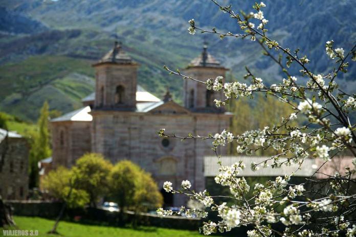 Montaña de Riaño, Lois y la catedral de la Montaña