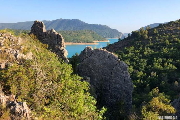 Estratos rocosos de la muralla china de Finestres