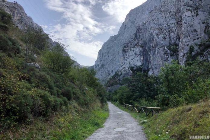 Desfiladero de Valdecerezales en Asturias
