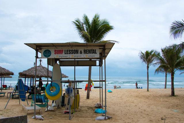 Surf Shack entrada chiringuito playa 1