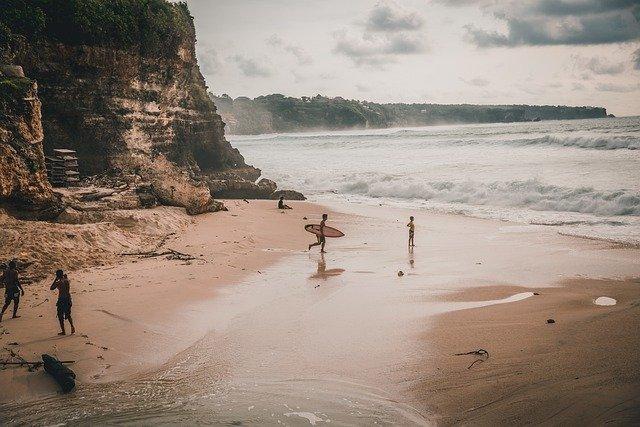 uluwatu - surf en bali
