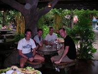 Día 12: Tailandia (Phuket con Karon y Kata Beach, playa y fiesta nocturna local, etc).