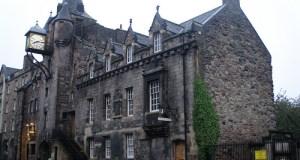 Día 4: Reino Unido (Escocia: Edimburgo con Ciudad Vieja y Nueva, Calton Hill, Princess Street, National Gallery & Museum, Greyfriars Kirk, Universidad, Catedral, Castillo, Royal Mile, etc). ViajerosAlBlog.com