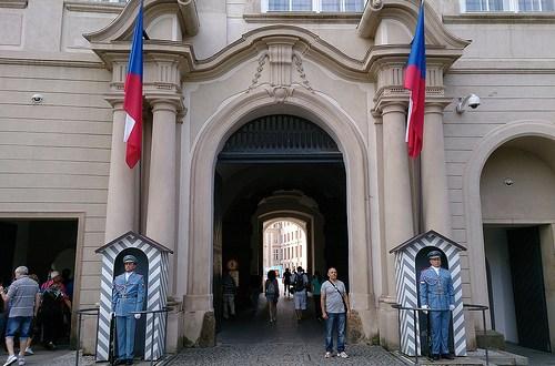 Día 2: Rep. Checa (Praga: Hradcany con Castillo, Catedral y Loreta. Mala Strana con Petrin. Nove Mesto. Zizkov. Karlin, etc). ViajerosAlBlog.com