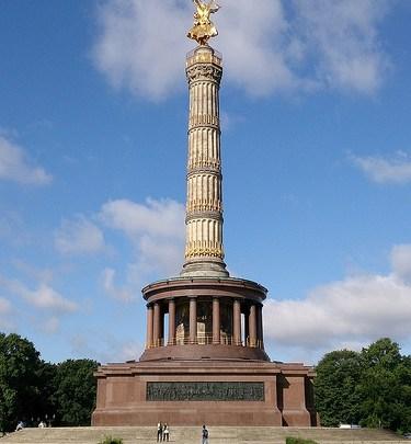 Día 6: Alemania (Berlín: Puerta Brandeburgo, Tiergarten, Columna Victoria, Hauptbahnhof, Schonefeld, etc). ViajerosAlBlog.com