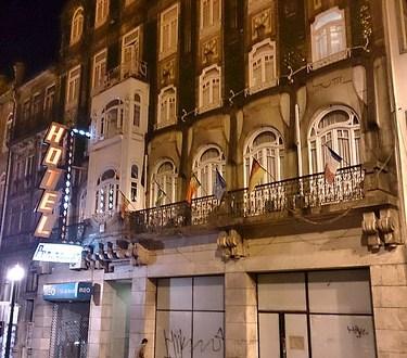 Dónde dormir y alojamiento en Oporto (Portugal) - Hotel Penínsular. ViajerosAlBlog.com
